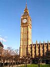 Big Ben, dominant le palais de Westminster, à Londres.