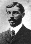 Henri Farman.