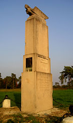 Le monument Farman à Mourmelon-le-Grand.
