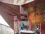Arrêt technique, démontage du gouvernail d'un navire (type Becker)