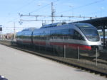 Rame BM93 stationnant en gare de Hamar.