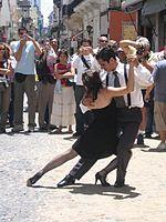 Un tango dans une rue de San Telmo.
