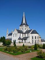 Exterieur Saint Georges Boscherville.jpg