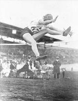 Une sauteuse en 1928.