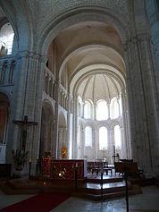 Coeur Abbatiale Saint Georges Boscherville.jpg