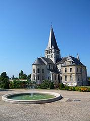 Vue Exterieure2 Saint Georges Boscherville.jpg
