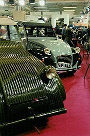 Le prototype 1939 et le dernier modèle de 1990