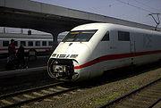 Demi-rame ICE 2 en gare de Hamm, attendant d'être attelée à une autre, pour continuer vers Berlin