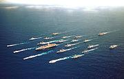 Le porte-avions am�ricain USS Lincoln et ses navires d'accompagnement