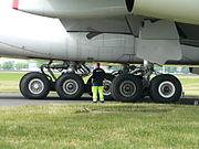 Train d'atterrissage central d'un A380.