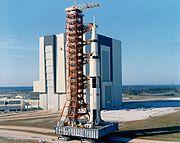 La Saturn V d'Apollo 10 en cours de transfert