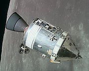 CSM Apollo en orbite lunaire.