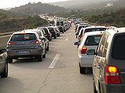 Dans le monde, malgré les progrès de la motorisation, l'automobile joue un rôle croissant en matière d'effet de serre et de pollution de l'air.