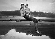 Bizutage d'un pilote de gazelle - Compi�gne 1997