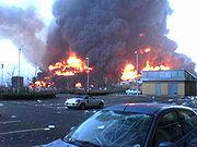 La catastrophe de Buncefield a lieu en 2005 au Royaume-Uni et invoque un embrasement dans un terminal de stockage pétrolier.