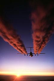 un C-141 au-dessus de l'Antarctique