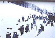 Ouvriers chinois travaillant dans la neige de la Sierra Nevada
