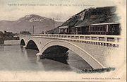 Le Tramway Grenoble Chapareillan sur le Pont de l'Île Verte