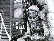 Virgil Grissom devant Mercury 4
