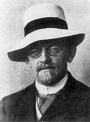 L'Allemand Hilbert donne la formulation anglosaxone: eigenvalue provenant de Eigenwert.