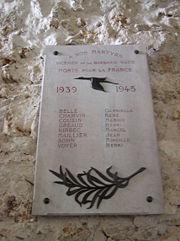 Plaque commémorative du personnel de l'usine Hispano Suiza victimes de la barbarie Nazie implantée dans la Batterie de Bouviers