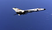 Un avion de chasse F-8 de la marine chinoise, basé à terre