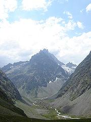 Vallée glaciaire dans les Écrins (France)