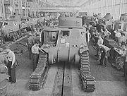 Usine de Détroit en 1942, fabrication de char léger M3 Lee