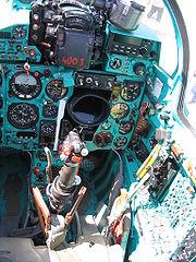 le poste pilotage d'un MiG-21 tchèque