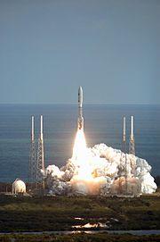 Lancement de la sonde New Horizons par une fusée Atlas V.
