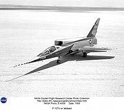 le prototype du F-107