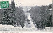 Dans la tranchée des Buttes Chaumont en 1912