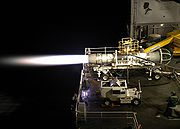 Test d'un réacteur F-404-GE-402 de F/A-18 à bord d'un porte-avions