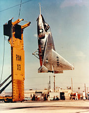 Le second prototype du X-13 lors d'un essai