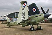Un Seafire avec ses ailes repliées