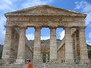 Temple dorique de Ségeste, Sicile. Il fut inachevé