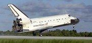 Atterrissage de la navette Atlantis au Centre spatial Kennedy (Floride, États-Unis). NASA.