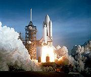 Lancement de la navette spatiale Columbia le 12 avril 1981.