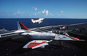 Deux TA-4J biplaces de l'US Navy