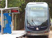Exemple de mobilier sur ligne de tram (Bordeaux)