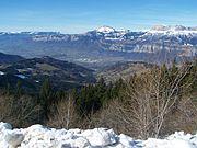 Vue de la vallée du Grésivaudan depuis le bas de la station de ski des Sept Laux du côté de Pipay.