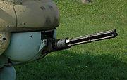 Mitrailleuse multitubes Yakushev-Borzov YakB de 12,7 mm à l'avant d'un Mi-24