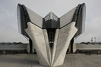 La Gare Lyon TGV, dessinée par l'architecte espagnol Santiago Calatrava.