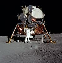 Module lunaire (Lunar excursion module (L.E.M.)- Apollo 11 (mission time: 110:53:38; AS11-40-5927)