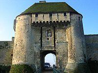 Mâchicoulis au-dessous la porte du Caen