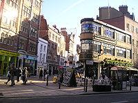 Davies Street, perpendiculaire � Oxford Street, et � c�t� de Bond Street tube station