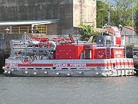 Bateau-pompe du port de Lorient
