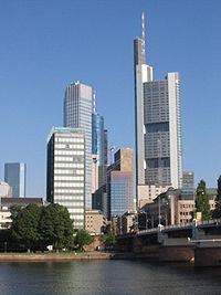 La Commerzbank Tower dans le quartier d'affaires de Francfort-sur-le-Main