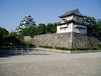Donjon et rempart du château de Nagoya