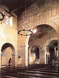 San Julián de los Prados, la nef et les fresques